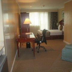 Отель Oxford Suites Makati Филиппины, Макати - отзывы, цены и фото номеров - забронировать отель Oxford Suites Makati онлайн удобства в номере фото 2