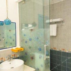 Отель Blue Coast Inn ванная