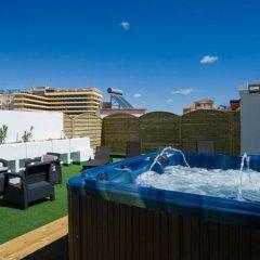 Hotel El Pozo бассейн