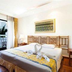 Отель Allamanda Laguna Phuket сейф в номере