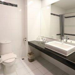 Отель Crystal Suites Suvarnabhumi Airport Бангкок ванная