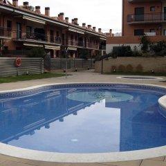 Отель Cala Boadella I Испания, Льорет-де-Мар - отзывы, цены и фото номеров - забронировать отель Cala Boadella I онлайн бассейн фото 3