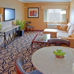 Отель Holiday Inn Express Stony Brook комната для гостей фото 2