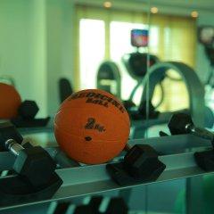 Отель Radisson Hyderabad Hitec City фитнесс-зал