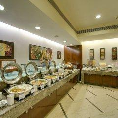 Отель The Muse Sarovar Portico - Nehru Place Индия, Нью-Дели - отзывы, цены и фото номеров - забронировать отель The Muse Sarovar Portico - Nehru Place онлайн питание фото 2