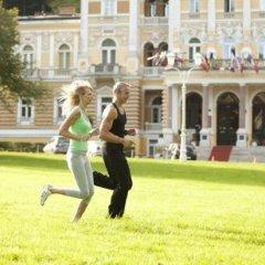 Отель Danubius Health Spa Resort Hvězda-Imperial-Neapol спортивное сооружение
