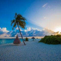 Отель Furaveri Island Resort & Spa пляж