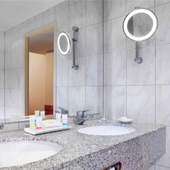 Отель Four Points By Sheraton Munich Central ванная фото 2