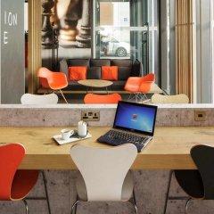 Отель ibis London Excel-Docklands Великобритания, Лондон - отзывы, цены и фото номеров - забронировать отель ibis London Excel-Docklands онлайн интерьер отеля фото 3
