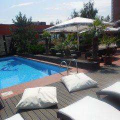 Ramada Hotel & Suites Bucharest North бассейн фото 2