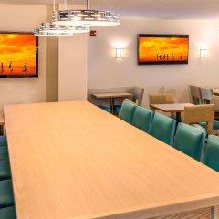 Отель Comfort Suites Seven Mile Beach Каймановы острова, Севен-Майл-Бич - отзывы, цены и фото номеров - забронировать отель Comfort Suites Seven Mile Beach онлайн помещение для мероприятий фото 2