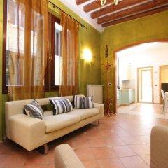 Отель City Apartments Rialto Италия, Венеция - отзывы, цены и фото номеров - забронировать отель City Apartments Rialto онлайн комната для гостей фото 2