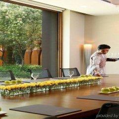 Отель The Roseate New Delhi фото 2