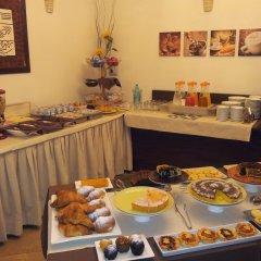 Отель ALIBI Римини питание
