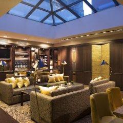 Отель Villa Saxe Eiffel гостиничный бар