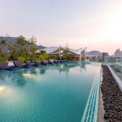 Oakwood Hotel Journeyhub Phuket Патонг бассейн фото 3