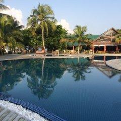 Отель Furaveri Island Resort & Spa Мальдивы, Медупару - отзывы, цены и фото номеров - забронировать отель Furaveri Island Resort & Spa онлайн бассейн фото 3