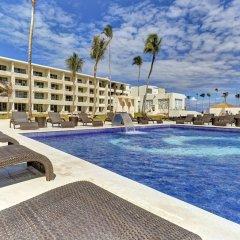Отель Royalton Bavaro Resort & Spa - All Inclusive Доминикана, Пунта Кана - отзывы, цены и фото номеров - забронировать отель Royalton Bavaro Resort & Spa - All Inclusive онлайн бассейн фото 2