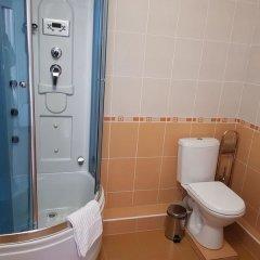 Гостиница Атлантида в Ессентуках отзывы, цены и фото номеров - забронировать гостиницу Атлантида онлайн Ессентуки ванная