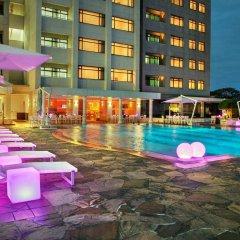 Отель Hilton Colombo Residence бассейн фото 3