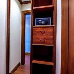 Hotel Riviera сейф в номере