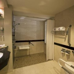 Отель Angsana Laguna Phuket Таиланд, Пхукет - 7 отзывов об отеле, цены и фото номеров - забронировать отель Angsana Laguna Phuket онлайн ванная