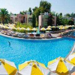 Vonresort Golden Beach Турция, Чолакли - 1 отзыв об отеле, цены и фото номеров - забронировать отель Vonresort Golden Beach онлайн бассейн фото 2