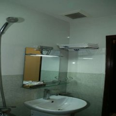 Bonanza Hotel Danang ванная