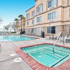 Отель Best Western PLUS Villa del Lago Inn бассейн