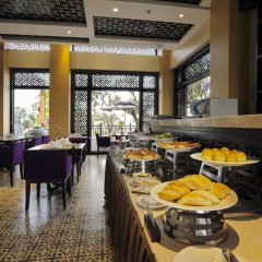 Royal Riverside Hoi An Hotel питание фото 2