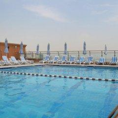 Sheraton Khalidiya Hotel бассейн