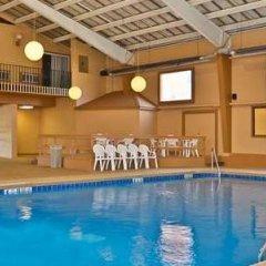 Отель Best Western Summit Inn США, Ниагара-Фолс - отзывы, цены и фото номеров - забронировать отель Best Western Summit Inn онлайн бассейн фото 3