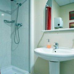 Отель Hostal Valls Барселона ванная фото 2