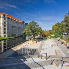 Estrel Hotel Berlin парковка