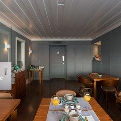 Отель Feels Like Home Chiado Prime Suites Португалия, Лиссабон - отзывы, цены и фото номеров - забронировать отель Feels Like Home Chiado Prime Suites онлайн сауна