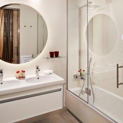 Отель Gran Melia Palacio De Los Duques ванная фото 2