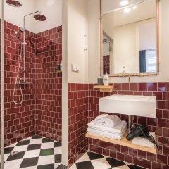 Отель Esqina Urban Lodge Португалия, Лиссабон - отзывы, цены и фото номеров - забронировать отель Esqina Urban Lodge онлайн ванная фото 2