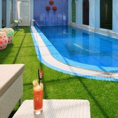 Boss Legend Hotel бассейн