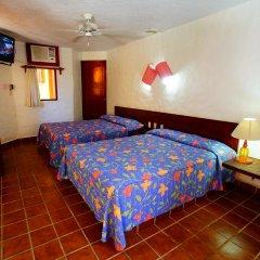 Отель Villas Miramar сейф в номере