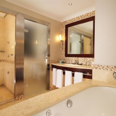 Отель Sheraton Grand Krakow ванная фото 2