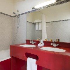 Grand Hotel Des Balcons Париж ванная