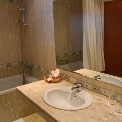 Отель Lotos - Riviera Holiday Resort Болгария, Золотые пески - отзывы, цены и фото номеров - забронировать отель Lotos - Riviera Holiday Resort онлайн ванная фото 2