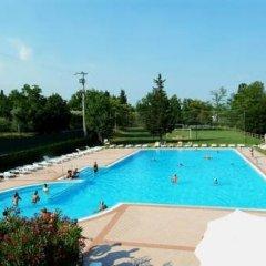 Отель Camping Zocco Centro Vacanze Манерба-дель-Гарда бассейн фото 2
