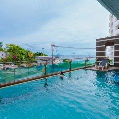 Отель Royal Beach View Suites Паттайя бассейн фото 3