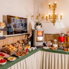 Отель Albergo Del Sole Al Biscione питание фото 3