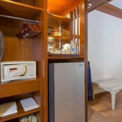 Отель Best Western Premier Bangtao Beach Resort & Spa сейф в номере фото 2