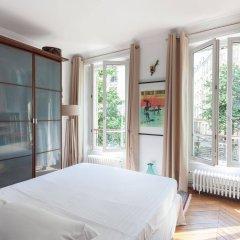 Отель onefinestay - Batignolles Apartments Франция, Париж - отзывы, цены и фото номеров - забронировать отель onefinestay - Batignolles Apartments онлайн балкон