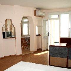 Отель Еви 1 Болгария, Поморие - отзывы, цены и фото номеров - забронировать отель Еви 1 онлайн удобства в номере фото 2