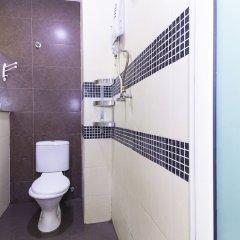 Отель OYO 157 Norbu Hotel Малайзия, Куала-Лумпур - отзывы, цены и фото номеров - забронировать отель OYO 157 Norbu Hotel онлайн ванная фото 2