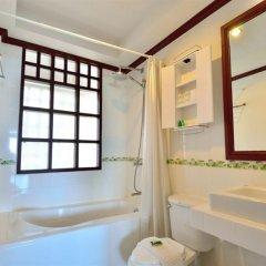 Отель First Bungalow Beach Resort Таиланд, Самуи - 6 отзывов об отеле, цены и фото номеров - забронировать отель First Bungalow Beach Resort онлайн ванная
